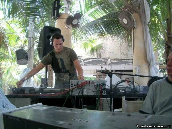 Скачать фото DJ Tiesto.